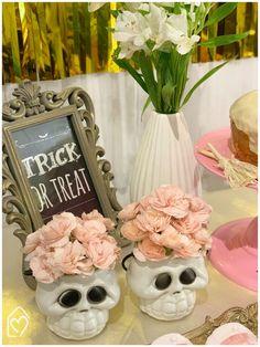 Mini table de Halloween Halloween, Trick R Treat, Mini, Table Decorations, Home Decor, The Bell Jar, White Paper, Party, Ideas