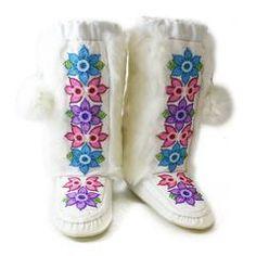 Manitobah Mukluks US Native Beading Patterns, Beaded Jewelry Patterns, Beaded Moccasins, Native Shoes, Medicine Bag, Scribe, Hand Bags, Buffalo, Pattern Design