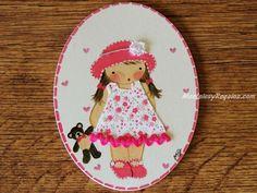 #Placa infantil para puerta modelo niña con sombrero rosa y osito http://www.mantelesyregalos.com/placas-para-puertas/3094-placa-infantil-puerta-nina-sombrero-rosa-y-osito.html