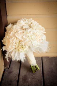 #white #wedding #flowers #bouquet