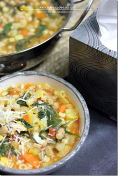 Corn, carrots and zucchini, oh my! Throw Libby's vegetables into this Seven Vegetable Minestrone soup...via Mama Miss Blog