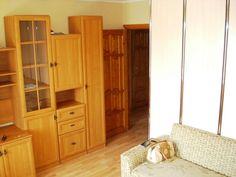 Cданные дома / 1-комн., Краснодар, фадеева 413, 1 700 000 http://krasnodar-invest.ru/vtorichka/1-komn/realty246754.html  1-к квартира 36 м² на 5 этаже 9-этажного кирпичного дома. Вся имеющаяся мебель (стенка-горка, прихожая, кухонный уголок, кухонный гарнитур, диван, письменный-компьютерный стол, кресло) и техника, минимально необходимая для проживания (холодильник, эл. плита, микроволновка) остаётся новому владельцу. В квартире установлен домофон и надёжная стальная входная дверь Форпост…