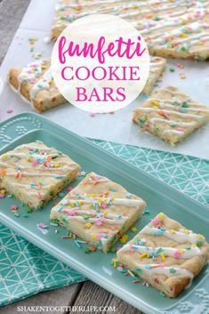 Funfetti Cookies Bars from a Cake Mix Funfetti Cookie Bars from a Cake Mix are a fun family favorite dessert! Baked in a cake pan and drizzled with frosting and sprinkles, this simple funfetti cookie dessert is perfect for any celebration! Sugar Cookie Bars, Cookie Desserts, Cookie Recipes, Cookie Dough, Cookie Mixes, Holiday Desserts, Sugar Cookies, Baking Recipes, Cake Bars