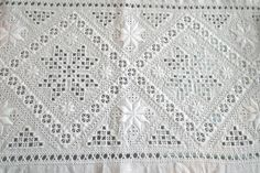 Bilderesultat for hardanger søm Hardanger Embroidery, Lace Shorts, Needlework, Textiles, Norway, Jewellery, Women, Board, Fashion