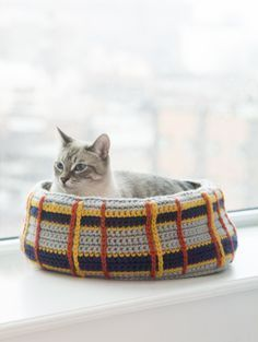 #crochet, free pattern, Curl-Up Kitty Cat Bed, pets, #haken, gratis patroon (Engels), kat, poes, kattenmand