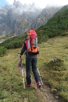 Das Team vom Ausrüster beim Aufstieg zu einem der schwierigsten #Klettersteige in den Ost #Alpen - Königsjodler Hochkönig