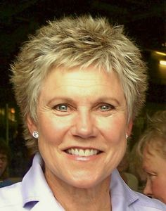 Anne Murray like this but that hair do would not work for me Beauty Care, Beauty Hacks, Hair Beauty, Beauty Tips, Hair Styles For Women Over 50, Short Hair Styles, Best Music Artists, Super Short Hair, Jamie Lee
