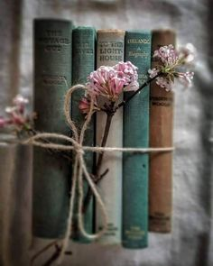 Just a few of my favourite things. New Zealand born, raised and living . flowers photography Raindrops and Roses Book Photography, Creative Photography, Photography Hacks, Raindrops And Roses, Book Flowers, Gift Flowers, Book Aesthetic, Photo Instagram, I Love Books