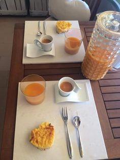 Il buono della #colazione con il bianco candore della #ceramica che fa da sfondo. http://www.casalgrandepadana.it/bios