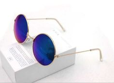 <3 Pin it and win a trip to New York, Barcelona, Berlin, Rome or London. - Round lens Sunglasses Polarized