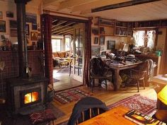 Lloyd Kahn's home. He's former shelter editor of Whole Earth Catalogue and editor-in-chief of Shelter Publications.