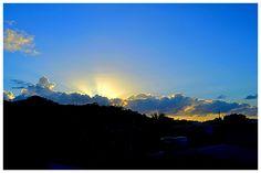Por tras da Serra ver surgindo o gigante com sua energia ,Luz e cor