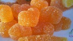 ORANGE SLICES: 200 ml of orange juice. 5 dl sugar cups per 250 ml). 10 teaspoon of gelatin. And again, silicone molds.