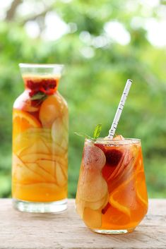 This sangria is made with hard apple cider, which means you can save your wine to make other sangrias.Get the recipe for Hard Apple Cider Sangria Fall Cocktails, Fall Drinks, Summer Drinks, Cocktail Drinks, Summer Sangria, Thanksgiving Cocktails, Fruit Drinks, Fruit Juice, Pineapple Juice