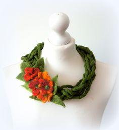 felted necklace, felted flower, red flowers, wool, feltmondo by Feltmondo on Etsy