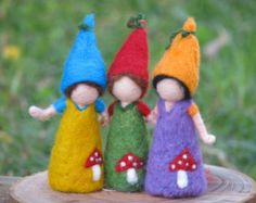 Items similar to Waldorf inspired ornament, Montessori toys, Needle felted little gnome on Etsy Needle Felted, Wet Felting, Felt Crafts, Fabric Crafts, Diy Laine, Paper Toy, Wool Dolls, Waldorf Crafts, Felt Fairy