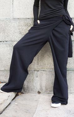 Loose Cotton Black Pants / Wide Leg Pants Autumn Extravagant Collection HandMade by Aakasha - SALE Loose Cotton Black Pants / Wide Leg Pants Autumn The Effective Pictures We Offer You About boh - Look Fashion, Fashion Outfits, Fashion Design, Wide Leg Pants, Black Pants, Loose Pants, Ankle Pants, White Pants, Outfits Pantalon Negro
