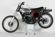 1975- Honda CR250M Elsinore