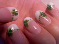 Day Four Leaf Clover Nail Art. Nails for girls! So Nails, Super Nails, Pretty Nails, Green Nail Polish, Green Nails, Blue Nail, French Nail Designs, Diy Nail Designs, French Nails