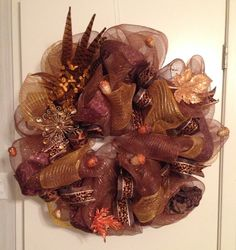 Mesh wreath for fall