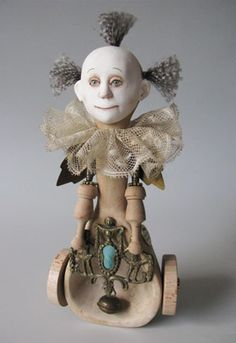 Marlaine Verhelst's art dolls. Marlaine made this.   Kay Lyns via sqrall.com onto THAT'S ODD...FUNNY, PECULIAR OR CREATIVE!