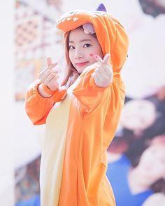 Dahyun - - twice - Korea Images Nayeon, Kpop Girl Groups, Korean Girl Groups, Kpop Girls, Daehyun, Bts K Pop, Got7, Mbti Type, Sana Cute