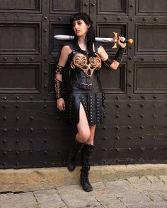 Xena being a badass in Volterra   Cosplayer: @asiapierirri Photo: @mvreenv  #xena #xenacosplay #cosplay #cosplayer #cosplayersofinstagram #xenasword #sword #prop #volterra #toscana #pisa #tuscany #contour #contouring #volterramisteryandfantasy #mistery #fantasy
