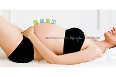 inspiration maternity pics I want to take of my pregnant sister