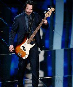 keanu Reeves Sanremo 2017 Playing bass