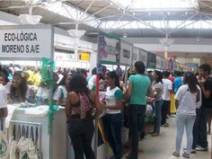Miniempresas formadas por estudantes expõem seus produtos para venda na 13ª Feira de Miniempresas da Junior Achievement Pernambuco, nos dias 30 e 31 de agosto, no Shopping Guararapes