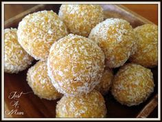 Delicious and healthy, these Apricot & Coconut Bliss balls are the perfect snack. They make a great gift, lunch box snack or afternoon tea. Healthy Treats, Healthy Baking, Healthy Mummy, Vegan Treats, Healthy Foods, Dairy Free Brownies, Lunch Box Recipes, Lunchbox Ideas, Snacks Recipes