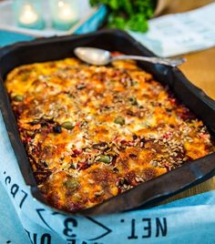 Vegetarisk rödbetsgratäng Vegetarian Crockpot Recipes, Vegetarian Cooking, Raw Food Recipes, Veggie Recipes, Cooking Recipes, Healthy Recipes, Food Porn, Swedish Recipes, Food Inspiration