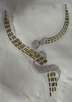 TRIM / SCOOP NECKLINE GOLD SWIRL RHINESTONE IRON ON APPLIQUE / HOT FIX TRANSFER