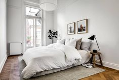 Classy home with natural materials - via Coco Lapine Design==