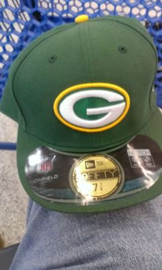 NEW ERA GREEN BAY PACKERS HAT ON FIELD 59FIFTY,SIZE 7 7/8 W/TAGS A BEAUTY,