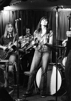 Linda Ronstadt Ronstadt's bangs = rock-star bangs.