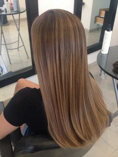 Long Wavy Ash-Brown Balayage - 20 Light Brown Hair Color Ideas for Your New Look - The Trending Hairstyle Brown Hair Cuts, Honey Brown Hair, Brown Hair Looks, Golden Brown Hair, Brown Hair With Blonde Highlights, Brown Hair Balayage, Hair Highlights, Caramel Brown Hair, Light Chocolate Brown Hair