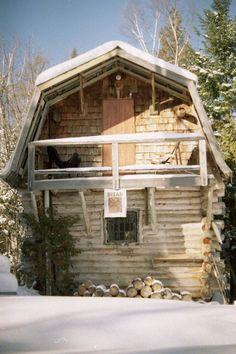 gambrel roof cabin