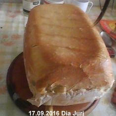 Paine de casa traditionala ungureasca | Savori Urbane Bread, Ethnic Recipes, Food, Bread Baking, Meal, Brot, Eten, Breads, Meals