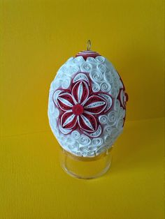 Neli Quilling, Quilling Jewelry, Quilling Paper Craft, Easter Projects, Easter Crafts, Japanese Origami, Quilling Patterns, Egg Art, Snowflake Ornaments