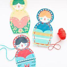 Print out out these free printable Matryoshka nesting doll lacing cards for the kids. A fun way to practice fine motor skills and stitching! You can download the free cards #onthebog today .