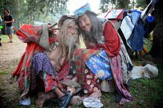 Here Come the Hippies: Oglala Lakota Tell Rainbow Family to Behave in Sacred Black Hills Hippie Vibes, Hippie Gypsy, Rainbow Gathering, Hippy Fashion, Rainbow Family, Child Of The Universe, Beatnik, Gypsy Style, Hippie Style