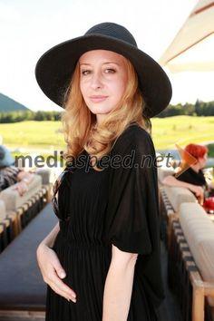 Mojca Krajnc Lady, Fashion, Moda, Fashion Styles, Fashion Illustrations