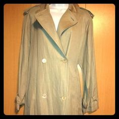 I just added this to my closet on Poshmark: LES COPAINS EXCLUSIVE FABRIC COAT LONG JACKET. Price: $225 Size: S