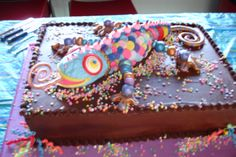 Lizard cake based on the work of Colette Peters Lizard Cake, Cake Decorating, Decorating Ideas, Cake Designs, Fun Ideas, Birthdays, Cupcakes, Yummy Food, Cookies