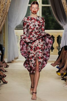 Valli Couture (Fall 2012).jpg (1067×1600)