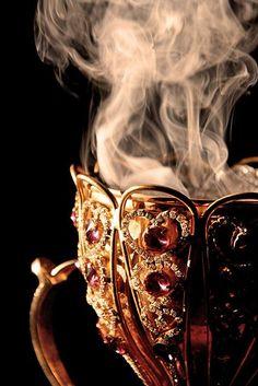 Темная осень - Красота, вдохновленная природой — LiveJournal I Love Coffee, Coffee Break, My Coffee, Coffee Cups, Tea Cups, Coffee Talk, Coffee Corner, Morning Coffee, Lizzie Hearts