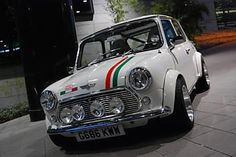 "Another kind of ""italian job"". Mini Cooper S, Mini Cooper Clasico, My Dream Car, Dream Cars, Classic Mini, Classic Cars, Mini Morris, Austin Cars, Automobile"