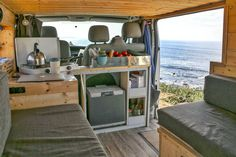 Tips Ideas This article is filled with tons of tips, tricks, and hacks for building out a conversion van kitchen! From simple and modern, to rustic and bohemian, theres tons of great DIY ideas for cooking! Love the layout of this adventure build! Van Life, Kitchen Layout, Kitchen Design, Kitchen Ideas, Diy Kitchen, Kombi Motorhome, Vw Camper, Campers, Sprinter Camper