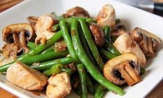 Beans with mushrooms and chicken